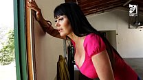 Porno Mexicano exterminator seduces the hottest MILF with big tits!! Eva Karera