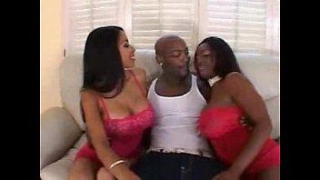 Havana Ginger & Jada Fire 3some