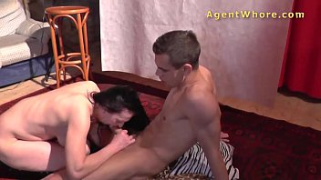 Young guy gets sucked and fucked by kinky MILF 10 min