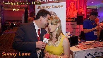 Sunny Lane gives a blowjob lesson for Andrea Diprè