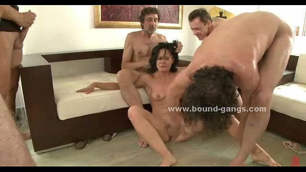 Brunette sexy delicious slut to suck and fucked in extreme group sex