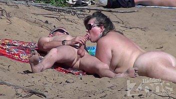 Blowjob on a nudist beach 2 min