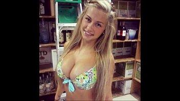 Gabi Novinha gostosa fazendo video para whatsapp
