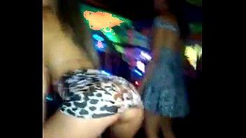 Loira gostosa no baile funk