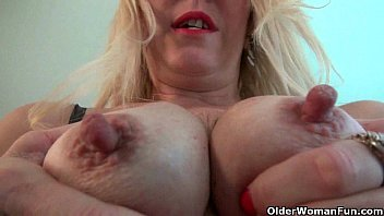 Nyloned milfs Raquel and Shelby need their clit rubbed