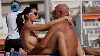 Couple Dry-Hump on Public Beach 6 min