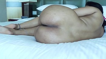 DESI PLUMP BOOTY SPREADING HER LEGS SHOW ASS HOLE FOR ANAL SEX