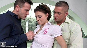 Schoolgirl Veronica Morre double penetration