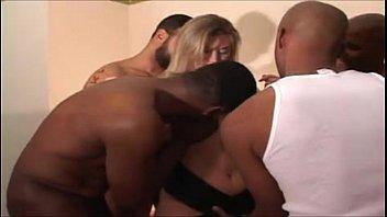 amateur blonde taking by 2 blacks video porno sexe