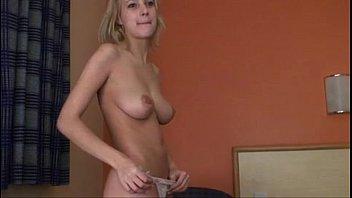 petite salope amatrice - video porno young amateur slut