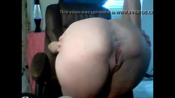 wetcams69.net brunette girl playing with her pussy