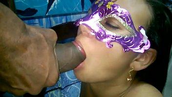 NanaBukkake - Nana tomando leitinho na boca dos seus machos.