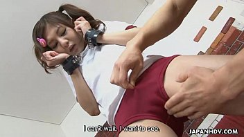Asian teen getting fingered until she erupts squirting