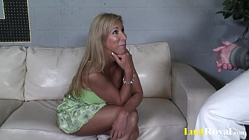 Milfs like Morgan Ray are meant for pounding 9 min