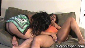Dual Lesbian Orgasm : Nilou Achtland & Eve