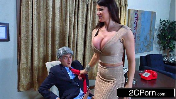 Donald's Wife Melonia Taking Big Bill's Cock in the White House - Eva Karera