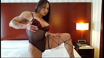 Karyn Bayres- biceps worship-