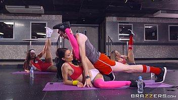 Brazzers - Sophia Laure gets fucked at yoga school