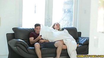Deprived step mom Kagney Linn Karter suck on Brads big cock