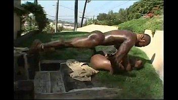 ebony booty has sex outside