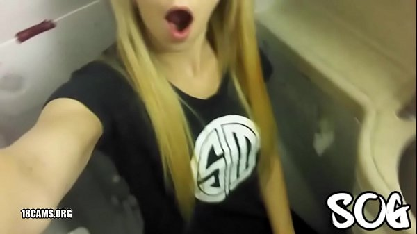 Blonde Public Masturbating Airplane Bathroom Real Amateur 7 min