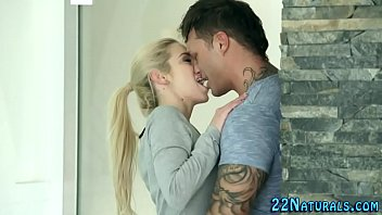 Blonde babe tugs facial