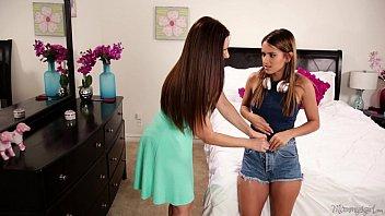 Mom sniffing the panties of a young girl! - Mindi Mink, Uma Jolie