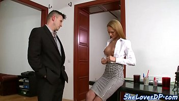 Threesome loving babe gets jizzed in mouth
