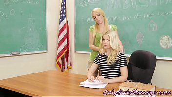 Les teacher scissoring pussies with student