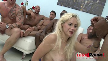 Vittoria Dolce savage gangbang, she cant hold back her screams!