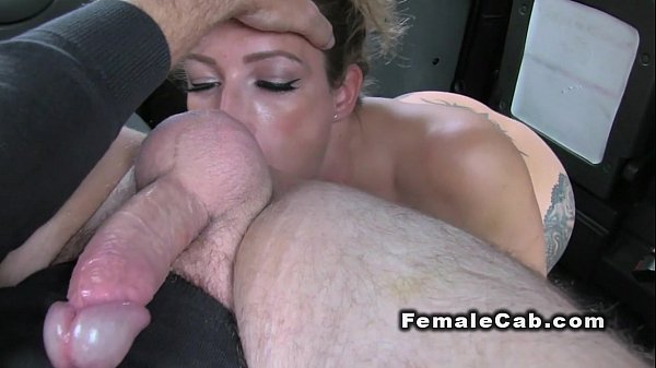 Hot babe rims big dicked cab driver in back seat
