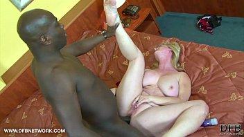 BIG TITS GRANNY WANTS BLACK COCK CUMSHOT ON HER BOOBS AFTER INTERRACIAL SEX
