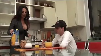 My hot mom gives me some lesson of sex!