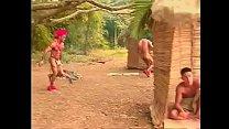 Brasileirinho perdido na mata vai fazer boquete em indio gay
