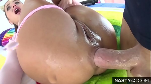 Adriana Chechik squirting during anal fuck