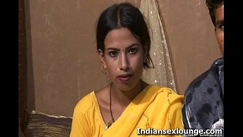 Vikky Gets Desi With Pinky