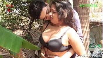 desimasala.co -Young girl with big boob groping song