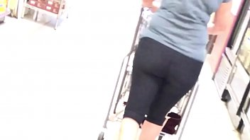 WHITE COUGAR SPANDEX BOOTY CANDID 6 34 sec