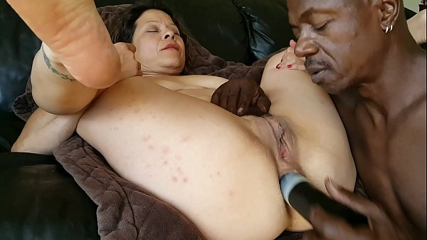 Suck that pussy & fuck that ass!