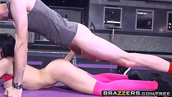 Brazzers - Big Tits In Sports - Sophia Laure and Danny D - Sweaty Ass Workout 8 min