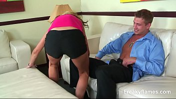 Girl maid likes to be hooked later get puss licked& stuffed long fat big cock