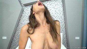 Saggy titted babe Lana Seymour enjoys deep anal sex
