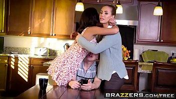 Brazzers - Real Wife Stories - (Nicole Aniston, Jessy Jones) - Fucking Neighbors