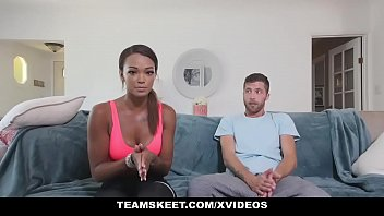 TheRealWorkout - Hot Fitness Vlogger Makes A Sex Tape