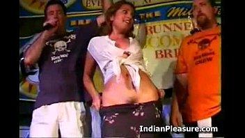 Hot Babe Desi Striptese