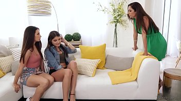 Let's do it on your Mom's bed! - Cassidy Klein, Reena Sky and Adria Rae