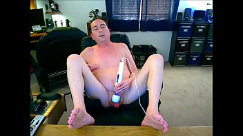 Tiny Dick Jeffrey Cums In 7 Seconds