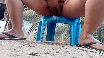 Thai aunty outdoor pissing