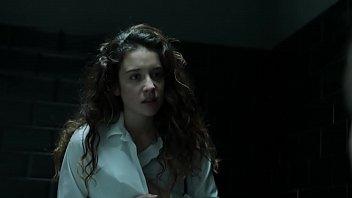 María Pedraza boob (La Casa De Papel - Spanish Tv Show)