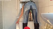 Cute girl piss in her jeans